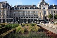 フランス ブルターニュ地方 レンヌ 共和国広場とバス停