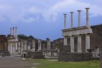 イタリア ポンペイの遺跡 フォロの柱廊