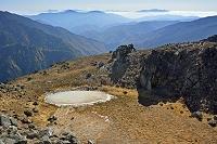 長野県 焼岳と山並み