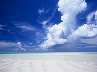沖縄県 宮古島 砂浜