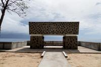 パラオ ペリリュー島 西太平洋戦没者の碑(修復後)