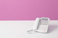机の上の電話