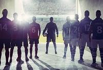 入場前のサッカーチームのシルエット