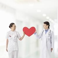 ハートを持つ医者と看護師