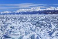北海道 知床連山 流氷