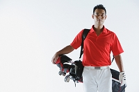 バッグを持つゴルファー