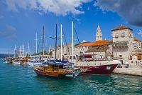 クロアチア トロギール 港と旧市街