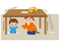 地震で机の下に避難してる親子