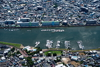 旧江戸川のボート船着場