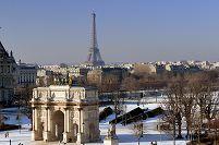 フランス パリ エッフェル塔とカルーゼル凱旋門