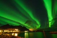 ノルウェー ヘニングスヴァーのオーロラ