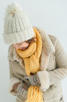 冬服を着た日本人女性