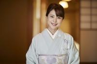 着物を着た日本の女性