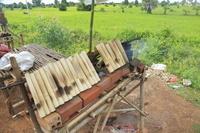 カンボジア クロラン(竹筒入りおこわ)