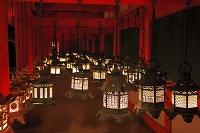 奈良県 春日大社の万燈籠