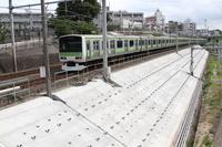 東京都 JR田端~駒込駅 盛土区間の耐震補強(8割完了)