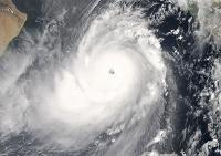 衛星写真 アラビア海 サイクロン ゴヌ