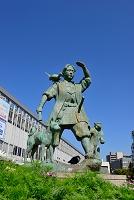 岡山県 岡山駅前 桃太郎像
