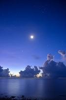 沖縄県 石垣島 月