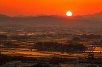 福島県 会津盆地の水田の夕暮れ
