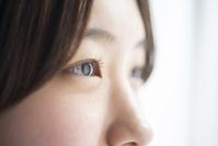 日本人女性の目元