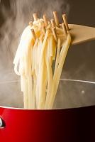 茹で上がったスパゲティー