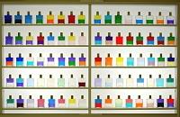 化粧品のボトル ガラスビン