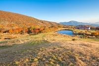 広島県 吾妻山 池ノ原の原池と吾妻山ロッジ