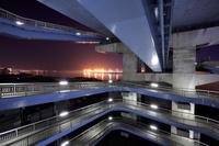 大阪府 此花大橋の歩道の夜景
