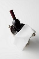 ワインボトルとワインクーラー