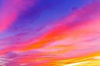 北海道 色鮮やかな雲広がる夕焼け空