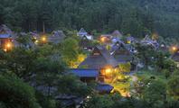 京都府 夕暮れの美山町かやぶき民家の里