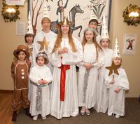聖ルチア祭を祝う子供たち