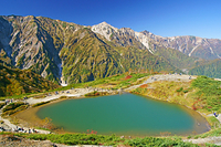 長野県 八方池と白馬三山(中央)と天狗ノ頭(左)
