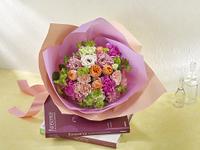 花束 ピンク オレンジ バラ リシアンサス