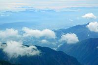 長野県 爺ケ岳から富士山中央奥遠望