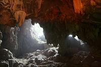 ベトナム ティエンクン洞(鍾乳洞)