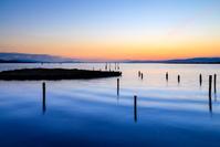 島根県 夜明けの宍道湖と大山遠望