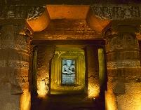 インド アジャンタ石窟群 第21窟
