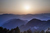 玉置神社から見た山々の夕景
