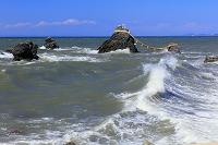 三重県 夫婦岩と荒波 二見浦