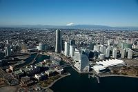 神奈川県 みなとみらい地区より横浜市街地と富士山