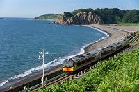 青森県 五能線と海