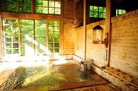 青森県 青荷温泉の湯殿