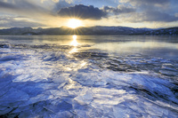 北海道 屈斜路湖の寄せ氷