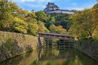 和歌山県 堀と御橋廊下と和歌山城天守閣