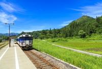 福島県 只見町 只見駅 列車