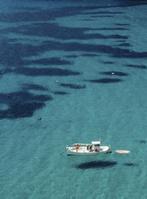 スペイン イビザ島 地中海と釣り船