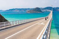 山口県 角島大橋とライダー
