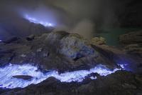 インドネシア カワ・イジェン火山